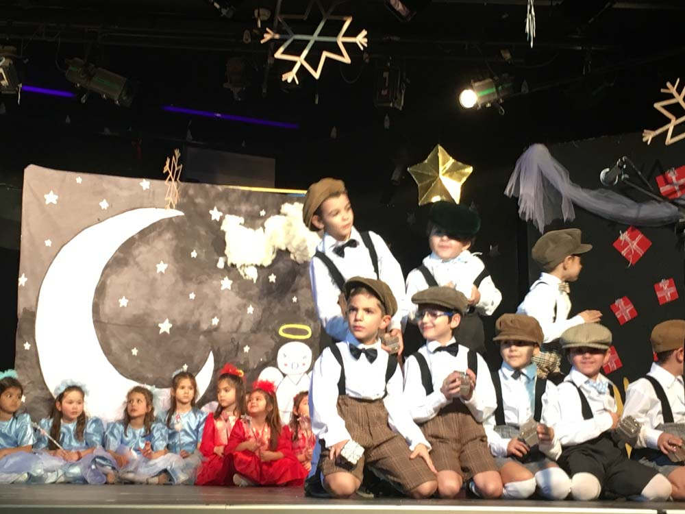Θεατρικές παραστάσεις των μαθητών και μαθητριών του Νηπιαγωγείου και της Α΄Δημοτικού του Ελληνικού Κολλεγίου Θεσσαλονίκης